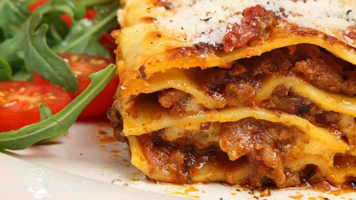 Lasagna cu parmezan ras si legume proaspete