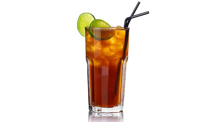 Cuba Libre – este un cocktail alcoolic foarte des savurat la ...